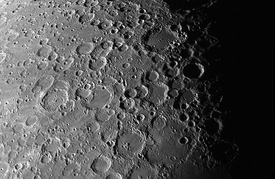 Crateri della Luna visti al telescopio